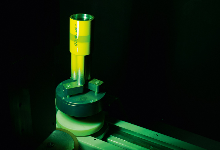 View into the UV dryer: Curing of the UV clear coat within seconds